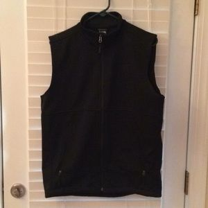 Black Northface vest